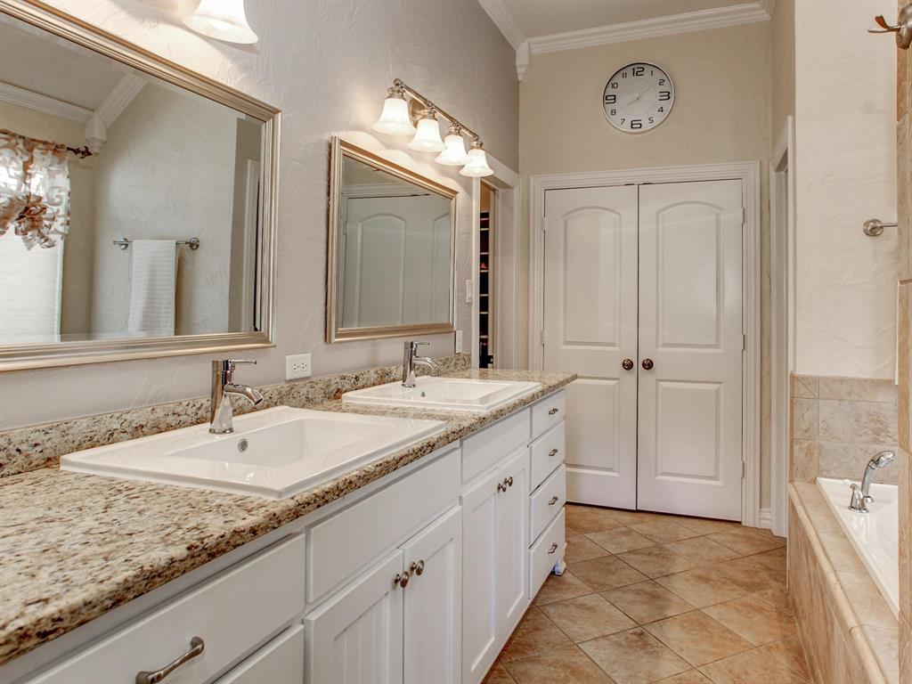 2136 Portwood  Way, Fort Worth, Texas 76179 - acquisto real estate best investor home specialist mike shepherd relocation expert