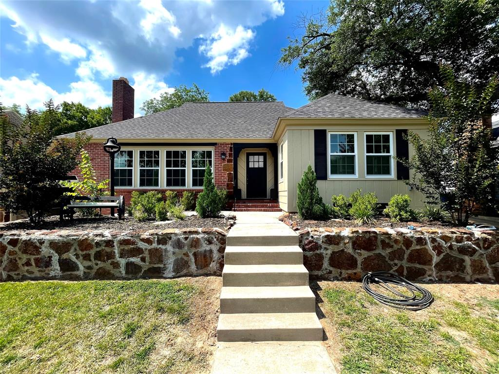 104 Red Oak  Henderson, Texas 75654 - Acquisto Real Estate best plano realtor mike Shepherd home owners association expert