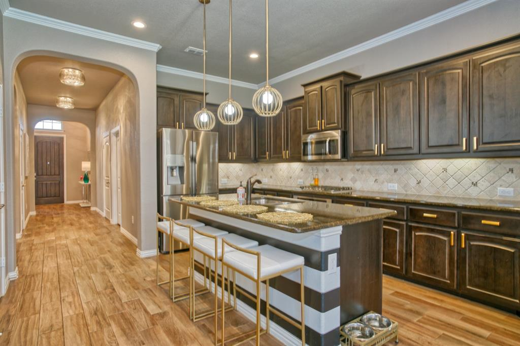 201 Mineral Point  Drive, Aledo, Texas 76008 - acquisto real estate best style realtor kim miller best real estate reviews dfw