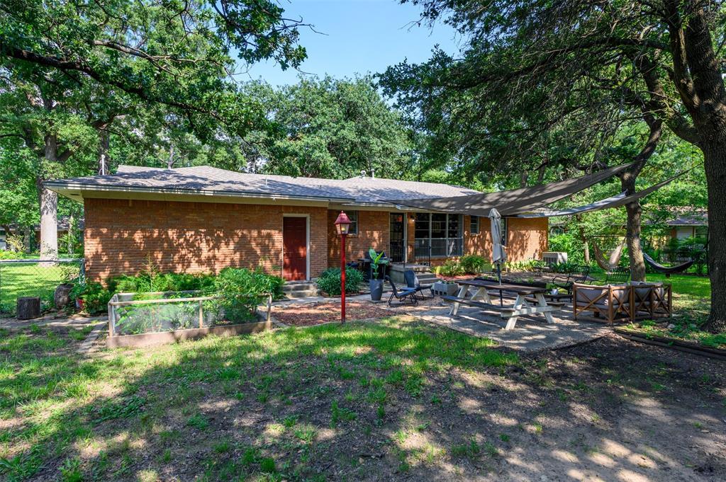 2503 Glenwood  Lane, Denton, Texas 76209 - acquisto real estate best photo company frisco 3d listings
