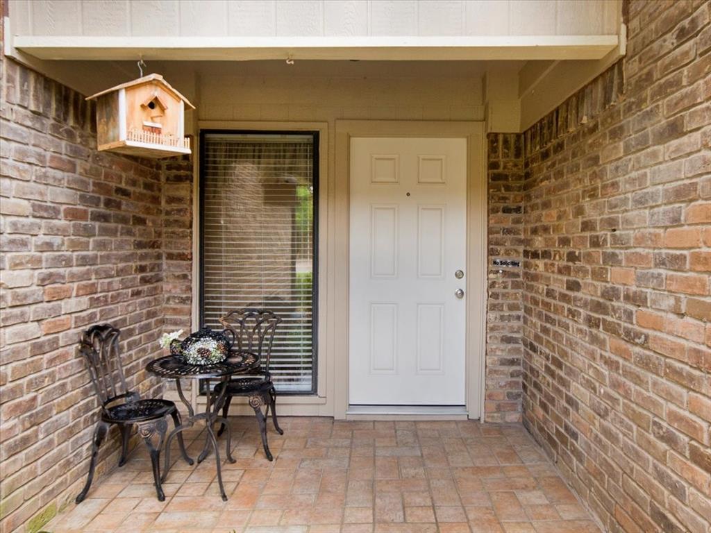 4700 Lone Oak  Drive, Arlington, Texas 76017 - acquisto real estate best celina realtor logan lawrence best dressed realtor