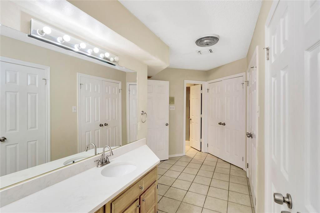 522 Yacht Club  Drive, Rockwall, Texas 75032 - acquisto real estaet best boutique real estate firm in texas for high net worth sellers