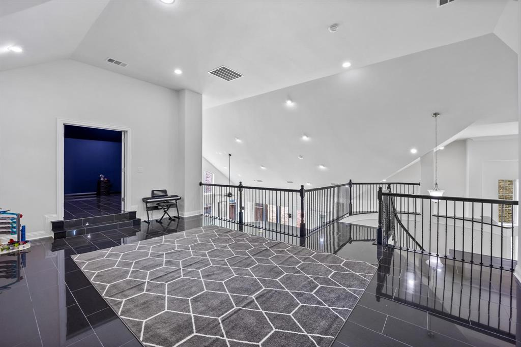 8251 Lindsay  Gardens, The Colony, Texas 75056 - acquisto real estate best designer and realtor hannah ewing kind realtor