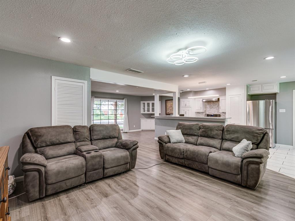 1719 Nueces  Trail, Arlington, Texas 76012 - acquisto real estate best listing listing agent in texas shana acquisto rich person realtor