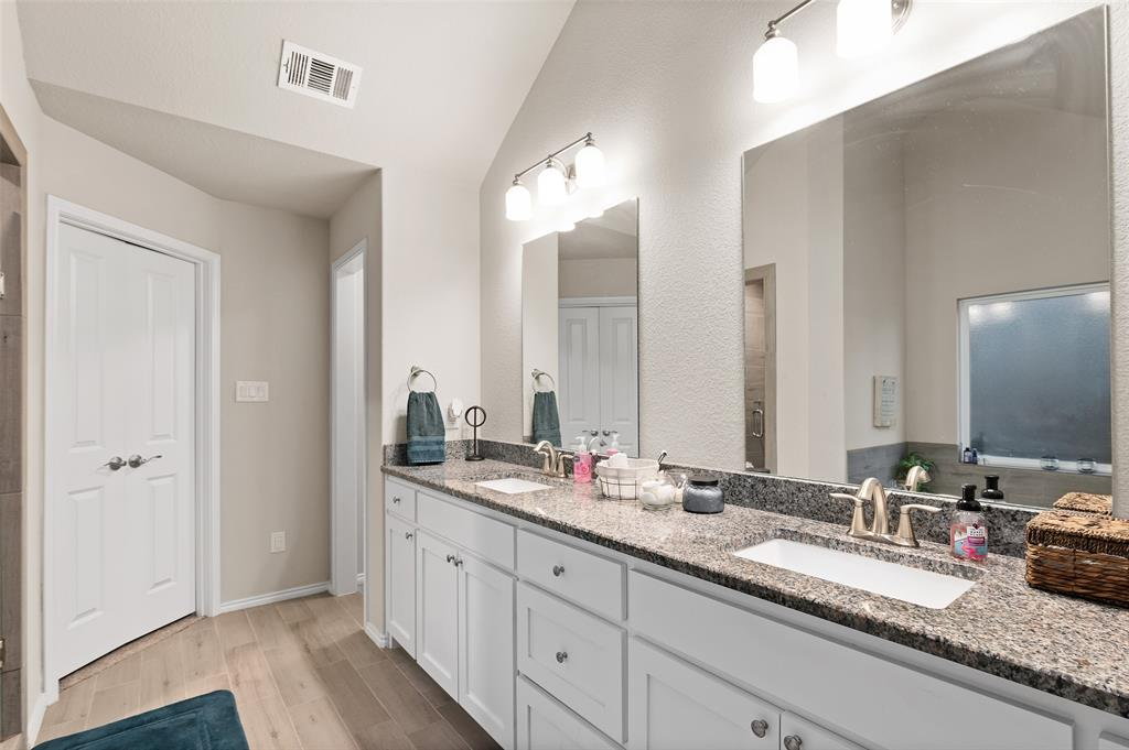 4014 Kensington  Drive, Sanger, Texas 76266 - acquisto real estate best realtor dfw jody daley liberty high school realtor