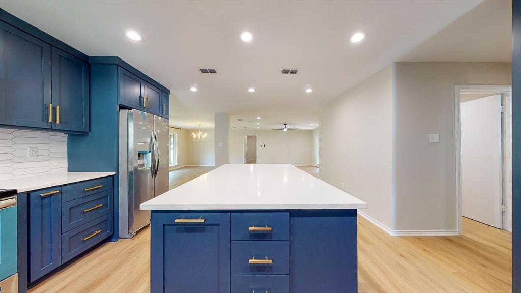 7636 Tophill  Lane, Dallas, Texas 75248 - acquisto real estate best new home sales realtor linda miller executor real estate