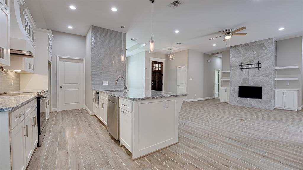 8206 Chesham  Drive, Rowlett, Texas 75088 - acquisto real estate best listing listing agent in texas shana acquisto rich person realtor