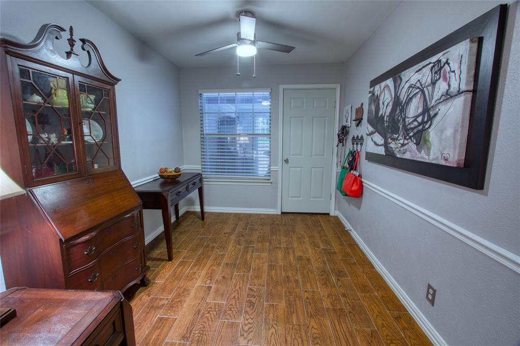 719 Creekwood  Court, Lewisville, Texas 75067 - acquisto real estate best photos for luxury listings amy gasperini quick sale real estate