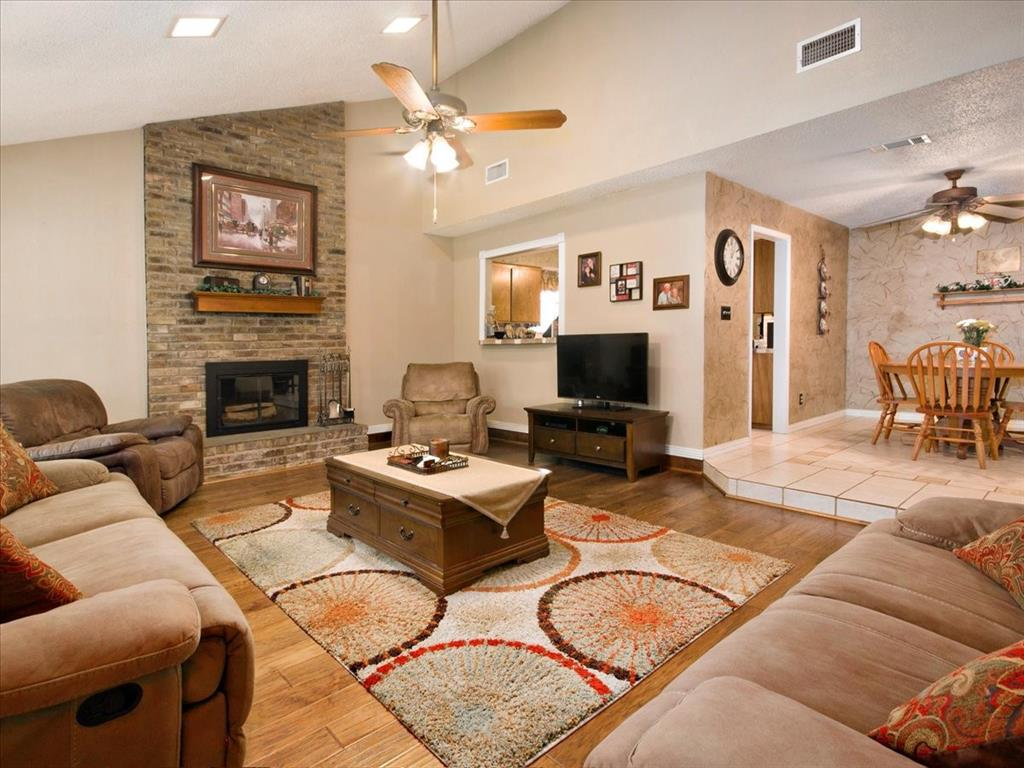 4700 Lone Oak  Drive, Arlington, Texas 76017 - acquisto real estate best real estate company in frisco texas real estate showings