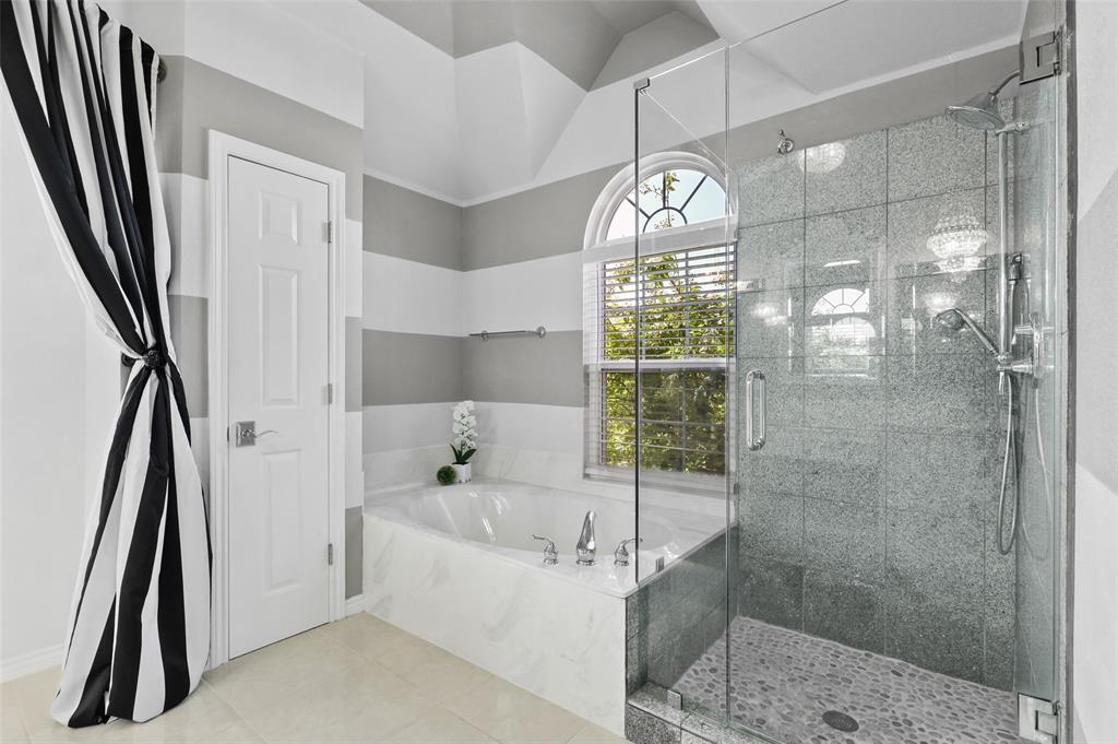 2353 Leafy Glen  Court, Bedford, Texas 76022 - acquisto real estate best style realtor kim miller best real estate reviews dfw