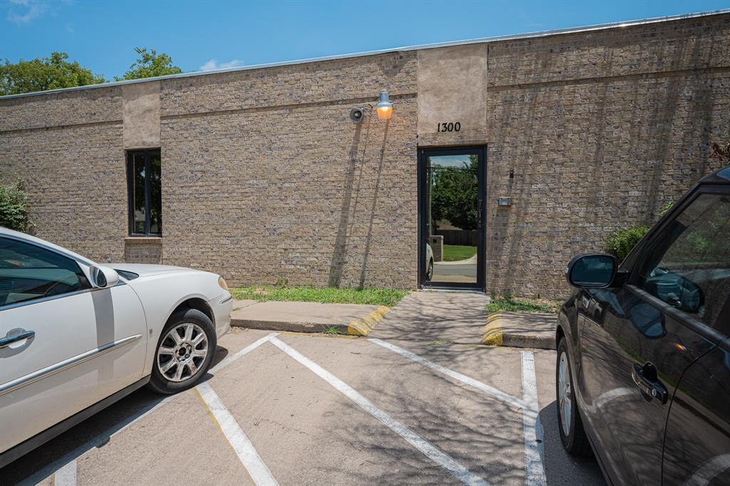 1300 Anglin  Street, Cleburne, Texas 76031 - acquisto real estaet best boutique real estate firm in texas for high net worth sellers