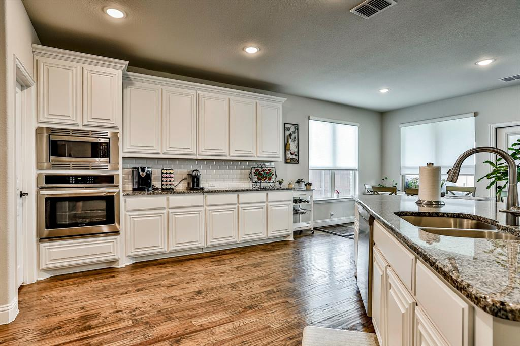 537 Tierra Vista  Way, Fort Worth, Texas 76131 - acquisto real estate best highland park realtor amy gasperini fast real estate service