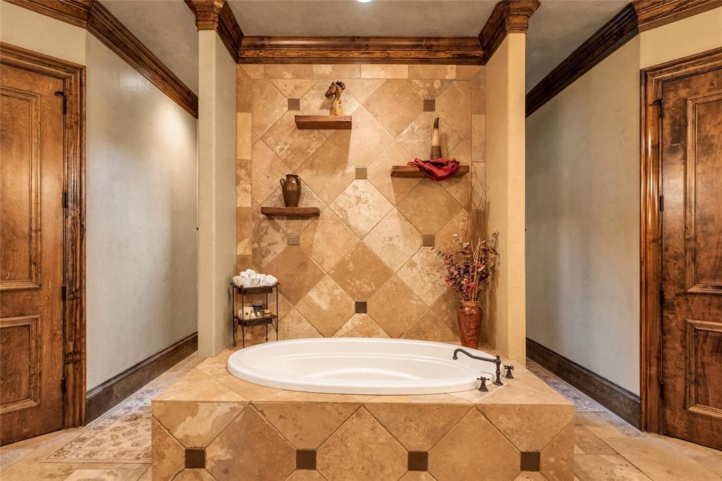 1325 Appaloosa  Circle, Bartonville, Texas 76226 - acquisto real estate best frisco real estate agent amy gasperini panther creek realtor