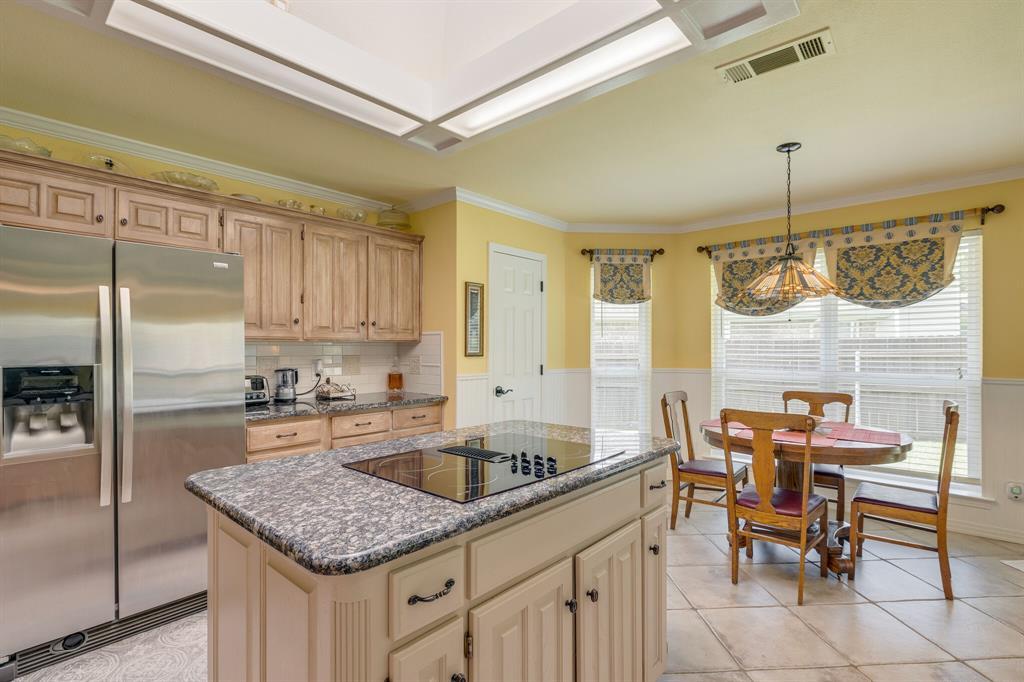 2701 Cedar Springs  Court, Bedford, Texas 76021 - acquisto real estate best realtor dallas texas linda miller agent for cultural buyers