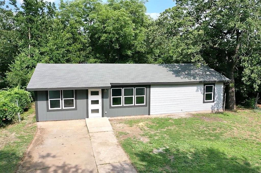 1207 Se 2nd  Avenue, Mineral Wells, Texas 76067 - acquisto real estate best style realtor kim miller best real estate reviews dfw