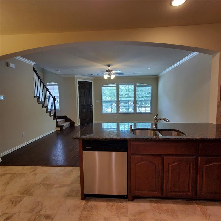 924 Grace  Lane, Lewisville, Texas 75056 - acquisto real estate best real estate company to work for