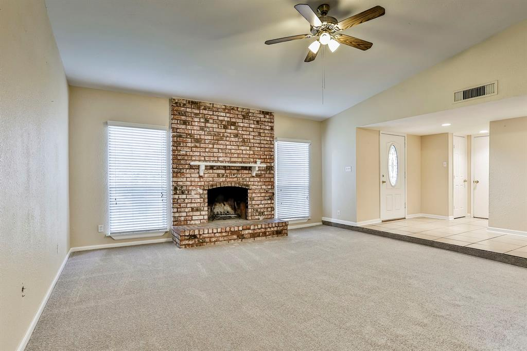 2800 Treeview  Drive, Arlington, Texas 76016 - acquisto real estate best highland park realtor amy gasperini fast real estate service