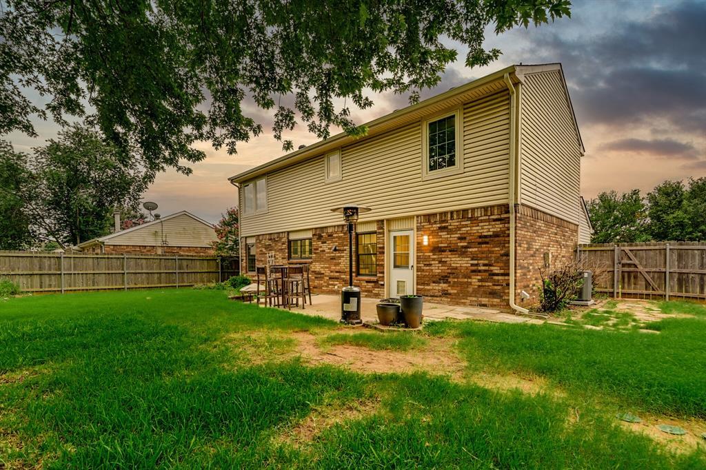 528 Yellowstone  Drive, Grapevine, Texas 76051 - acquisto real estate best looking realtor in america shana acquisto