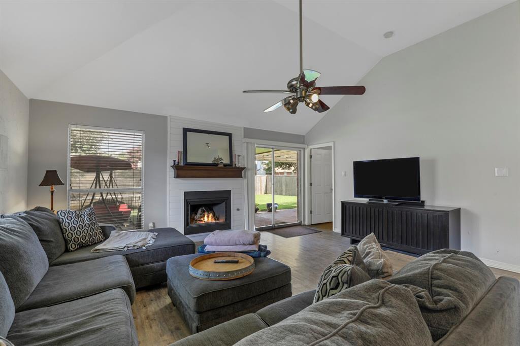 801 Bluffview  Drive, McKinney, Texas 75071 - acquisto real estate best celina realtor logan lawrence best dressed realtor