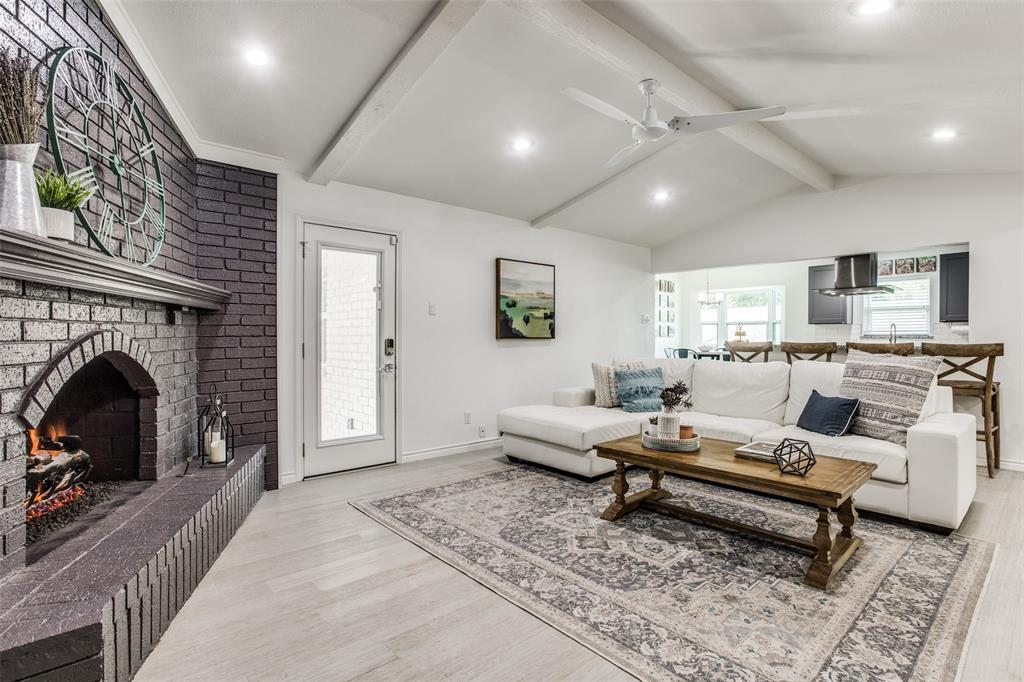 10920 Yorkspring  Drive, Dallas, Texas 75218 - acquisto real estate best prosper realtor susan cancemi windfarms realtor