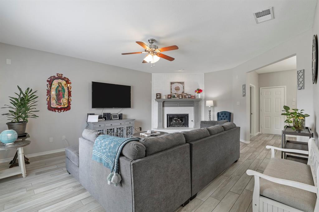 8522 Coventry  Drive, Rowlett, Texas 75089 - acquisto real estate best listing listing agent in texas shana acquisto rich person realtor