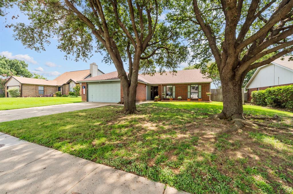 2112 Crestmeadow  Street, Denton, Texas 76207 - acquisto real estate best allen realtor kim miller hunters creek expert