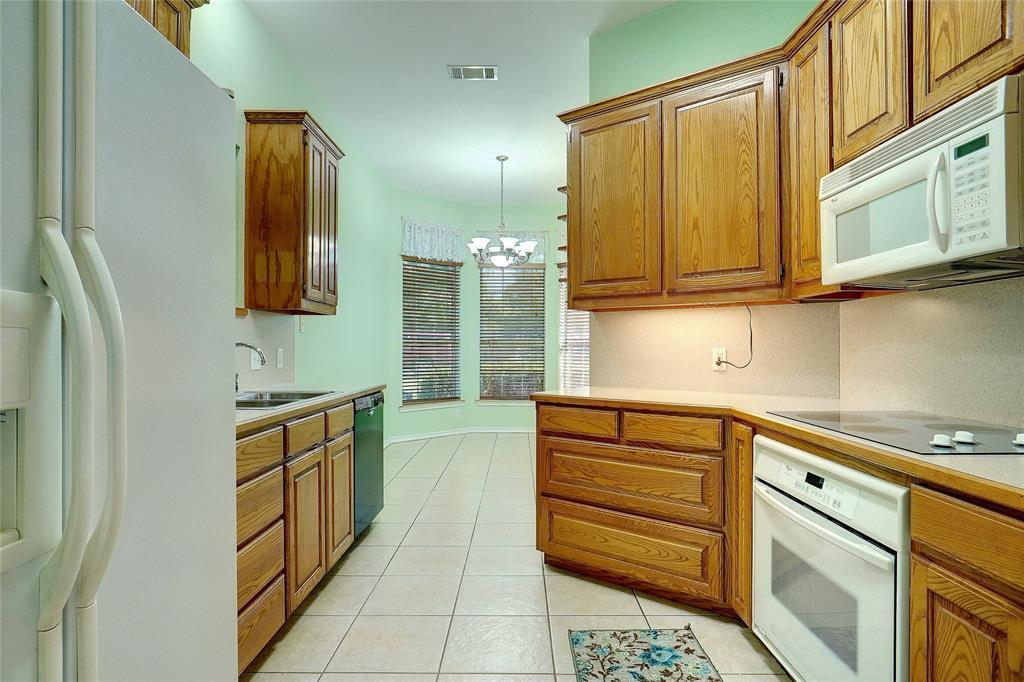 319 6th  Street, Justin, Texas 76247 - acquisto real estate best highland park realtor amy gasperini fast real estate service