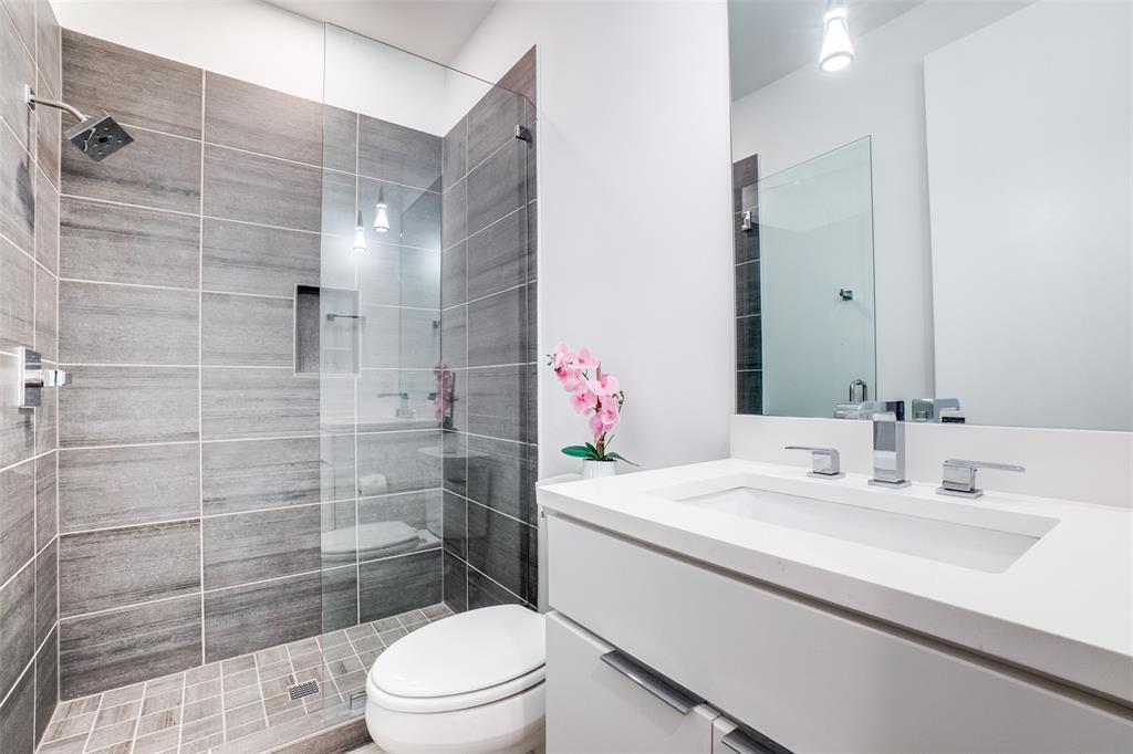 4828 Caxton  Court, Dallas, Texas 75204 - acquisto real estate best photo company frisco 3d listings