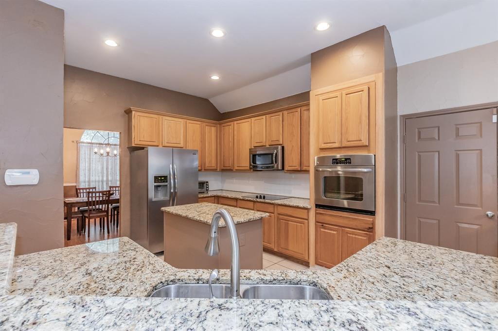 201 Jaime Jack  Drive, Grand Prairie, Texas 75052 - acquisto real estate best new home sales realtor linda miller executor real estate
