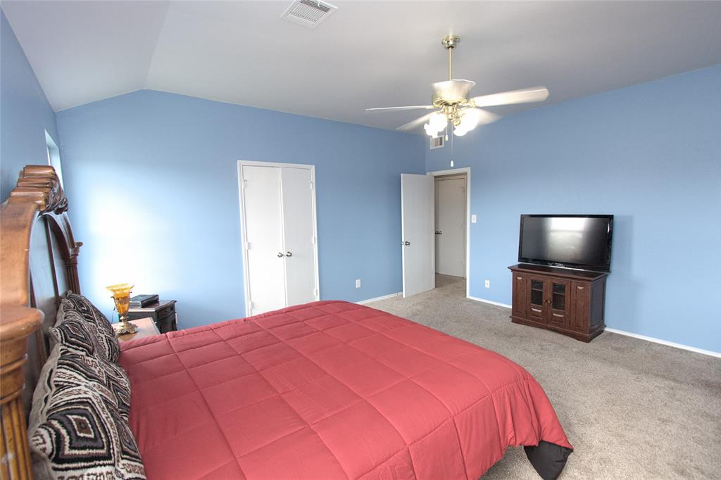 621 Sparrow  Drive, Saginaw, Texas 76131 - acquisto real estate best real estate company to work for