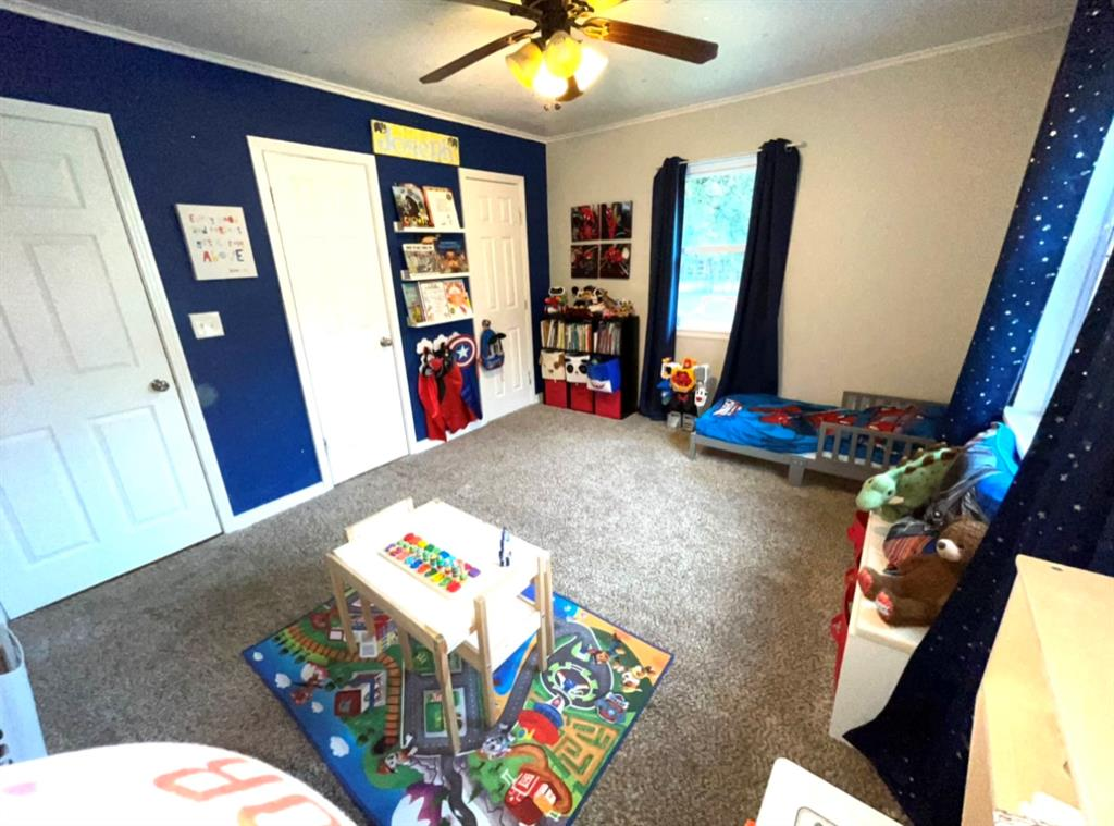 1729 Oakland  Boulevard, Fort Worth, Texas 76103 - acquisto real estate best realtor westlake susan cancemi kind realtor of the year
