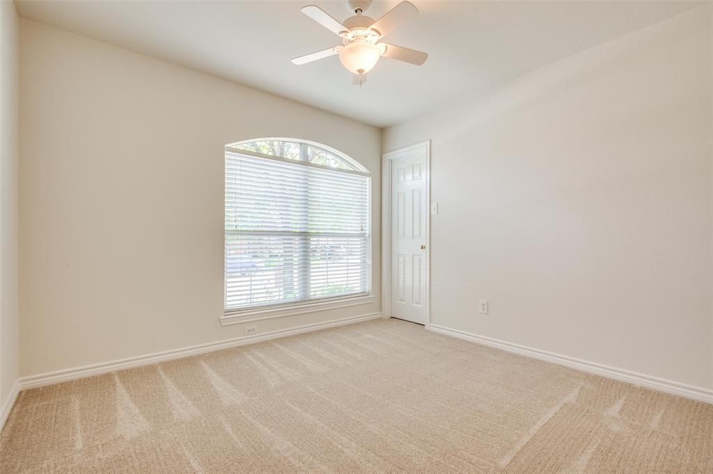 5913 Meadowglen  Drive, Denton, Texas 76226 - acquisto real estate best designer and realtor hannah ewing kind realtor
