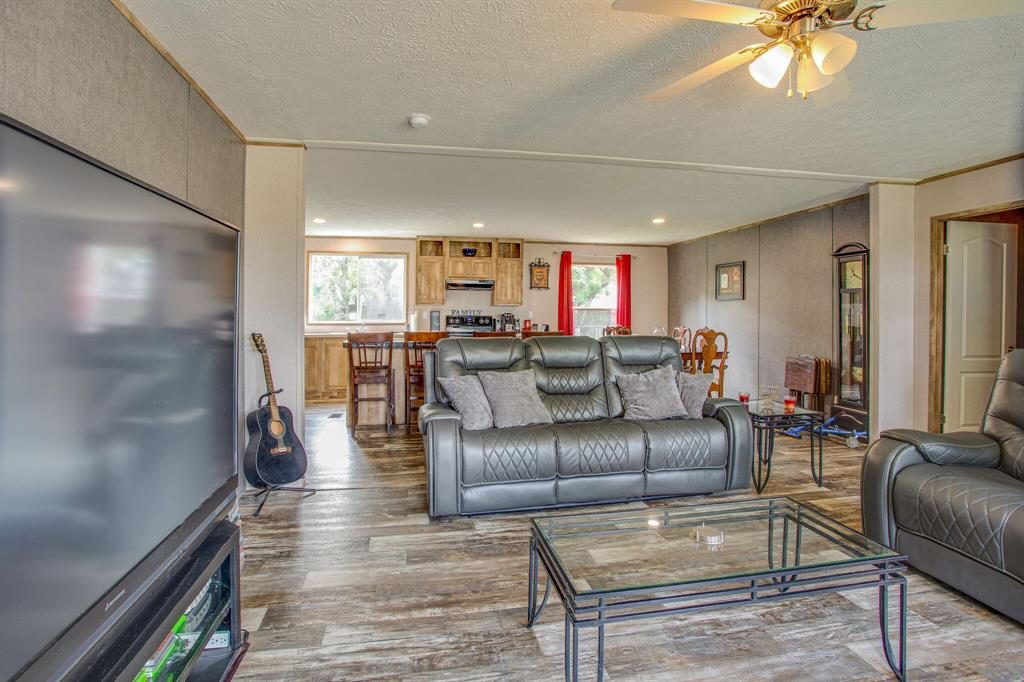 815 Whippoorwill  Drive, Granbury, Texas 76049 - acquisto real estate best celina realtor logan lawrence best dressed realtor