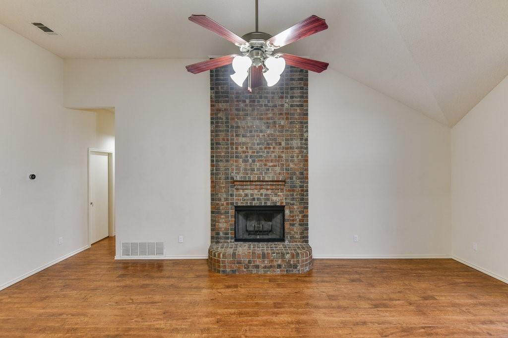 2107 Havenwood  Drive, Arlington, Texas 76018 - acquisto real estate best prosper realtor susan cancemi windfarms realtor
