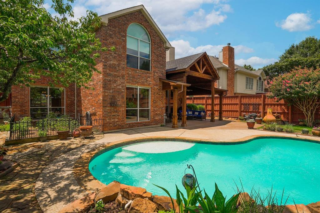 2124 Gisbourne  Drive, Flower Mound, Texas 75028 - acquisto real estate best plano real estate agent mike shepherd