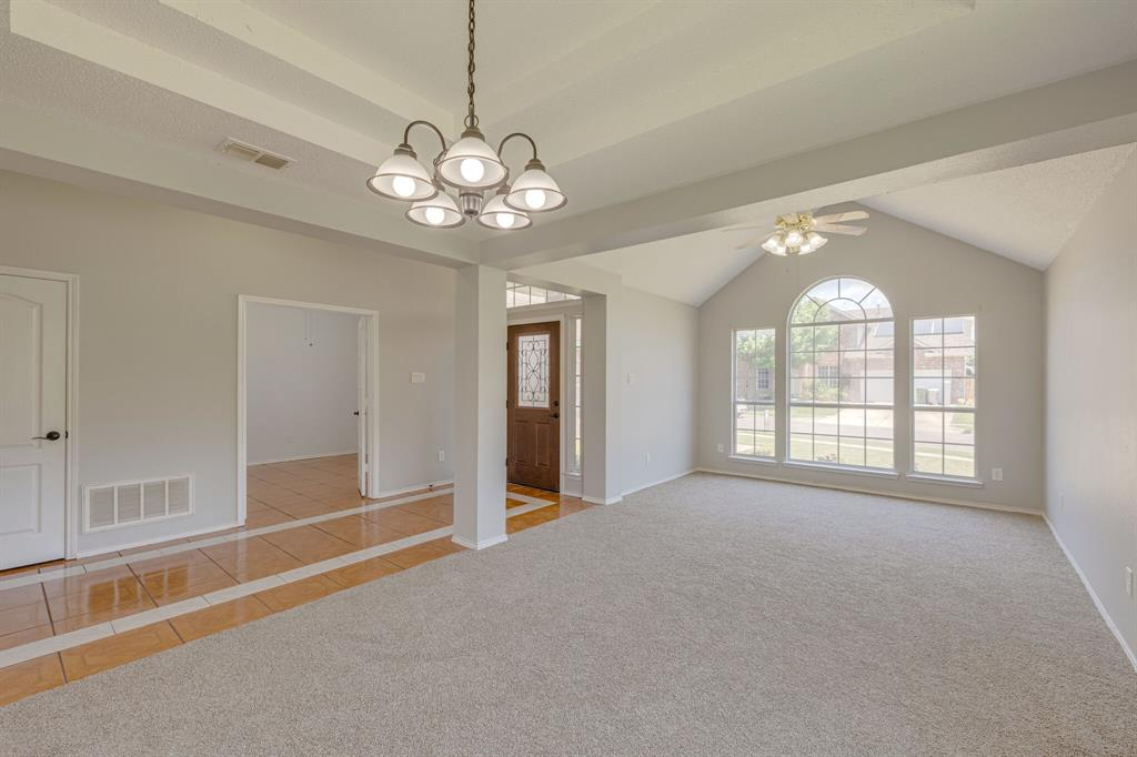 401 Watertown  Lane, Arlington, Texas 76002 - acquisto real estate best real estate company to work for