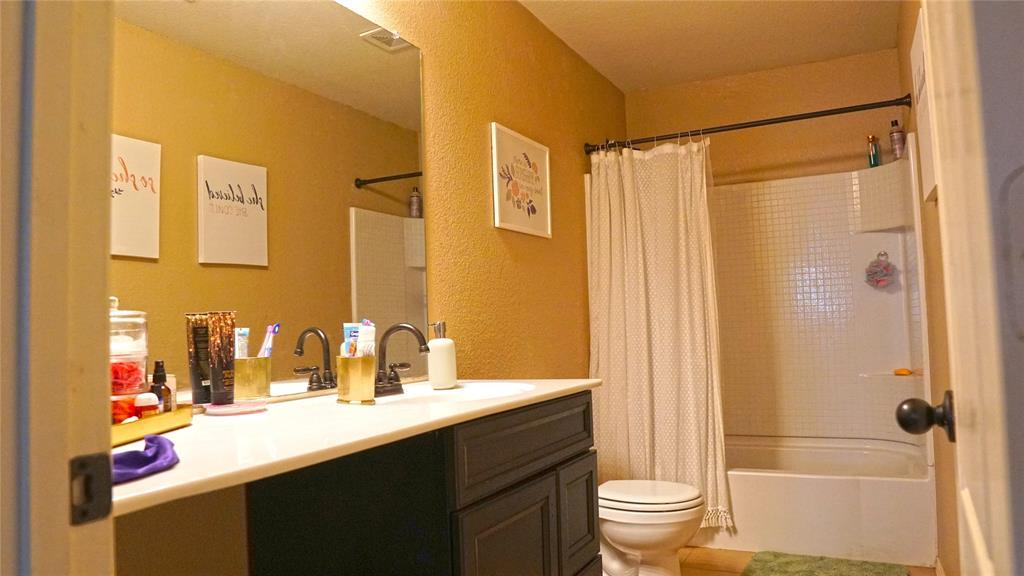 4511 Hummingbird  Drive, Sherman, Texas 75092 - acquisto real estate best realtor westlake susan cancemi kind realtor of the year