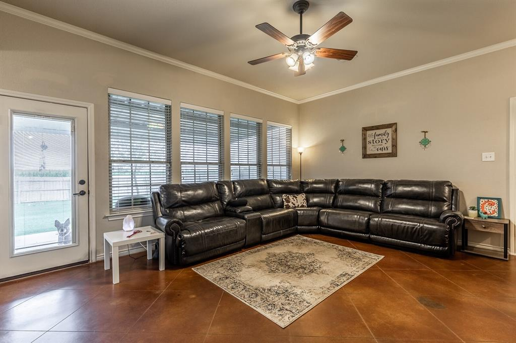 124 Joyce  Street, Whitney, Texas 76692 - acquisto real estate best photos for luxury listings amy gasperini quick sale real estate