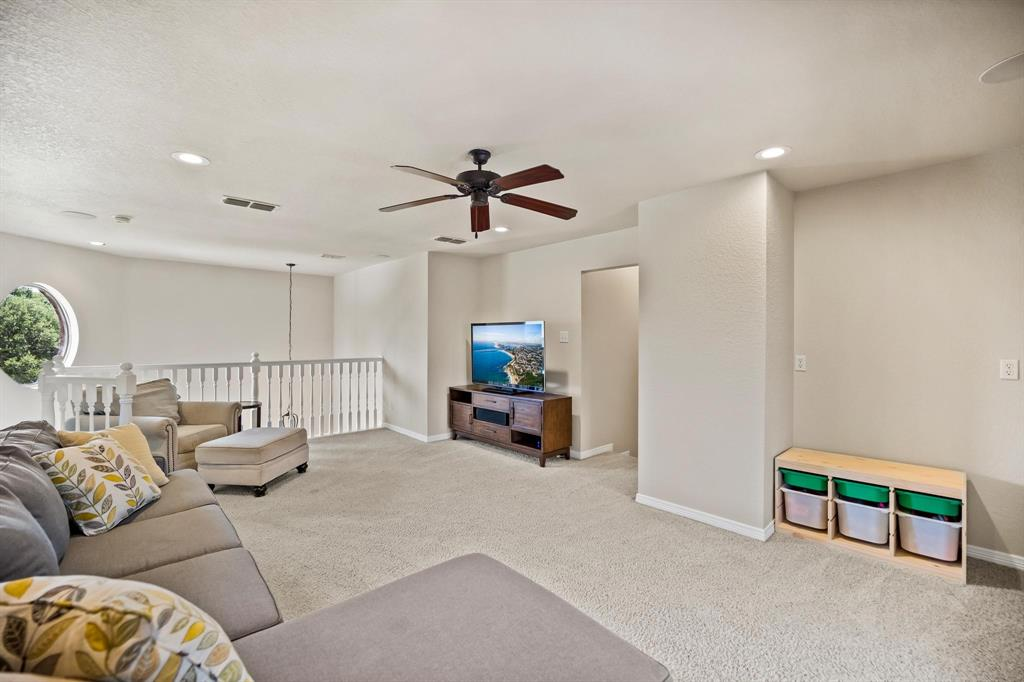 208 Bluff View  Aledo, Texas 76008 - acquisto real estate best park cities realtor kim miller best staging agent