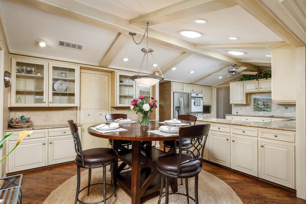 6556 Meadowcreek  Drive, Dallas, Texas 75254 - acquisto real estate best listing agent in the nation shana acquisto estate realtor