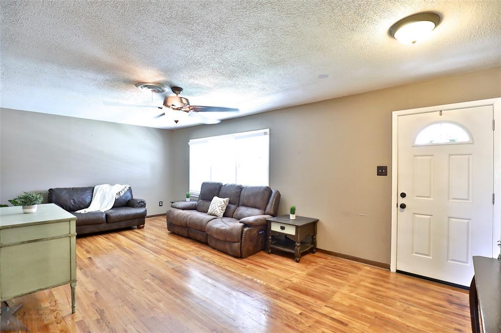 1402 Glenhaven  Drive, Abilene, Texas 79603 - acquisto real estate best celina realtor logan lawrence best dressed realtor