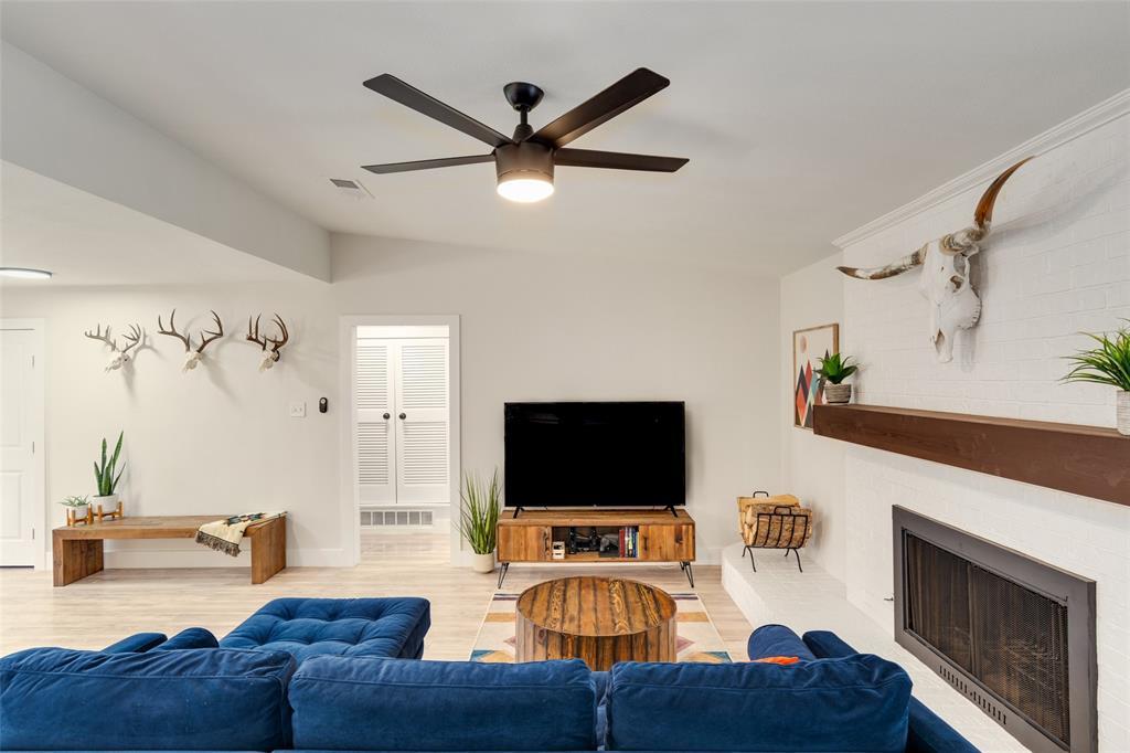 3813 Kelvin  Avenue, Fort Worth, Texas 76133 - acquisto real estate best celina realtor logan lawrence best dressed realtor