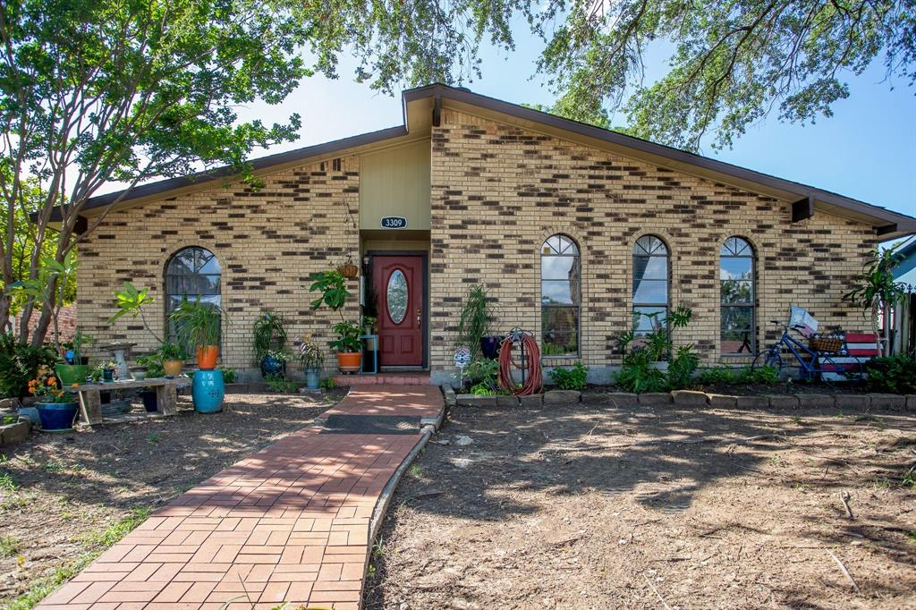3309 Edgecliff  Drive, Garland, Texas 75043 - Acquisto Real Estate best plano realtor mike Shepherd home owners association expert
