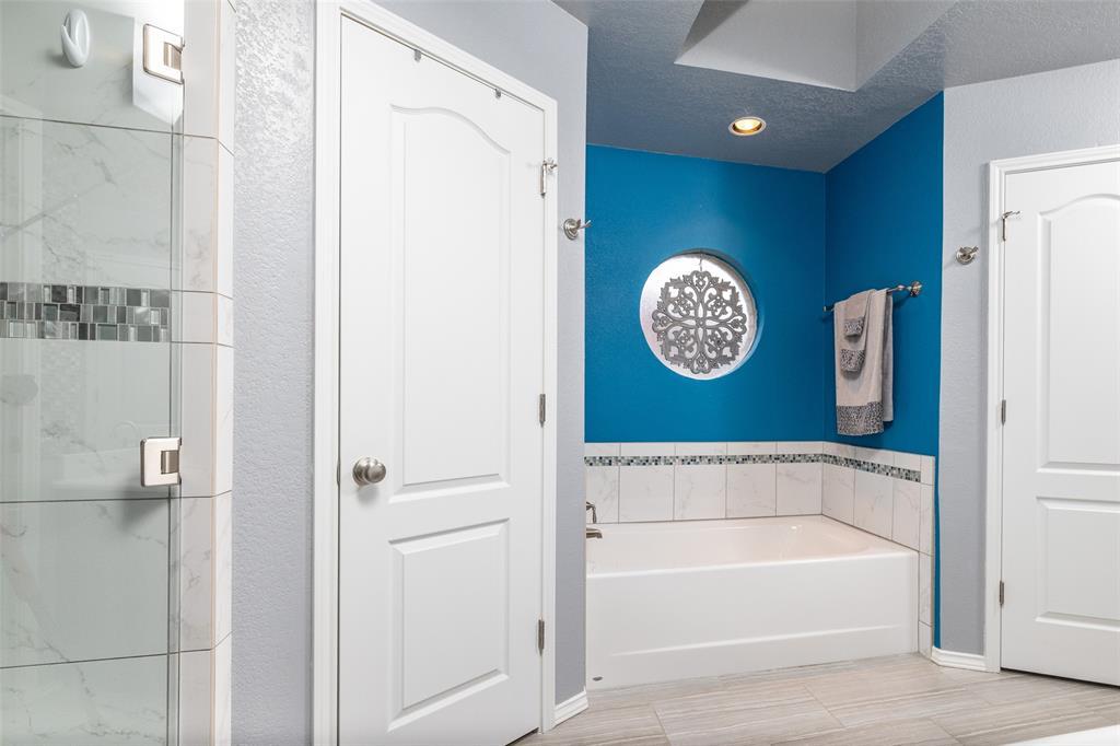 802 Glenn  Drive, Euless, Texas 76039 - acquisto real estate best negotiating realtor linda miller declutter realtor