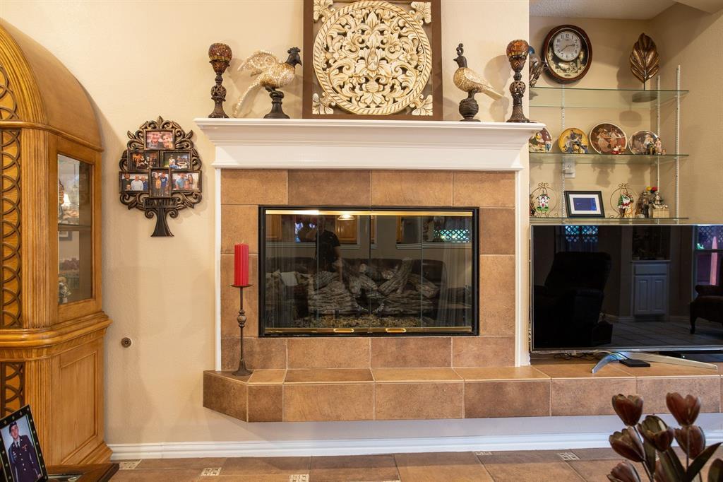 8817 Trails Edge  Drive, North Richland Hills, Texas 76182 - acquisto real estate best designer and realtor hannah ewing kind realtor