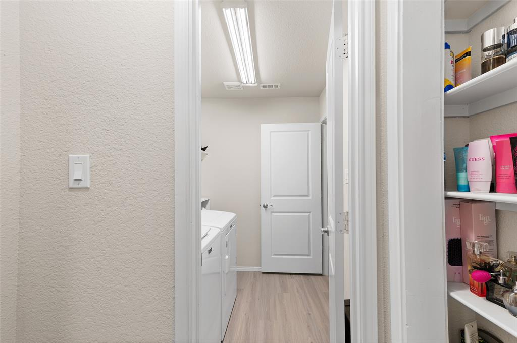 4014 Kensington  Drive, Sanger, Texas 76266 - acquisto real estate best negotiating realtor linda miller declutter realtor