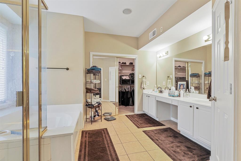 4204 Debbie  Drive, Grand Prairie, Texas 75052 - acquisto real estate best frisco real estate agent amy gasperini panther creek realtor