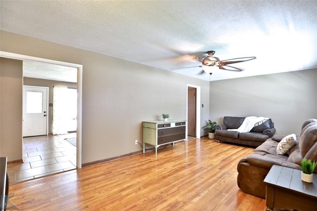 1402 Glenhaven  Drive, Abilene, Texas 79603 - acquisto real estate best highland park realtor amy gasperini fast real estate service