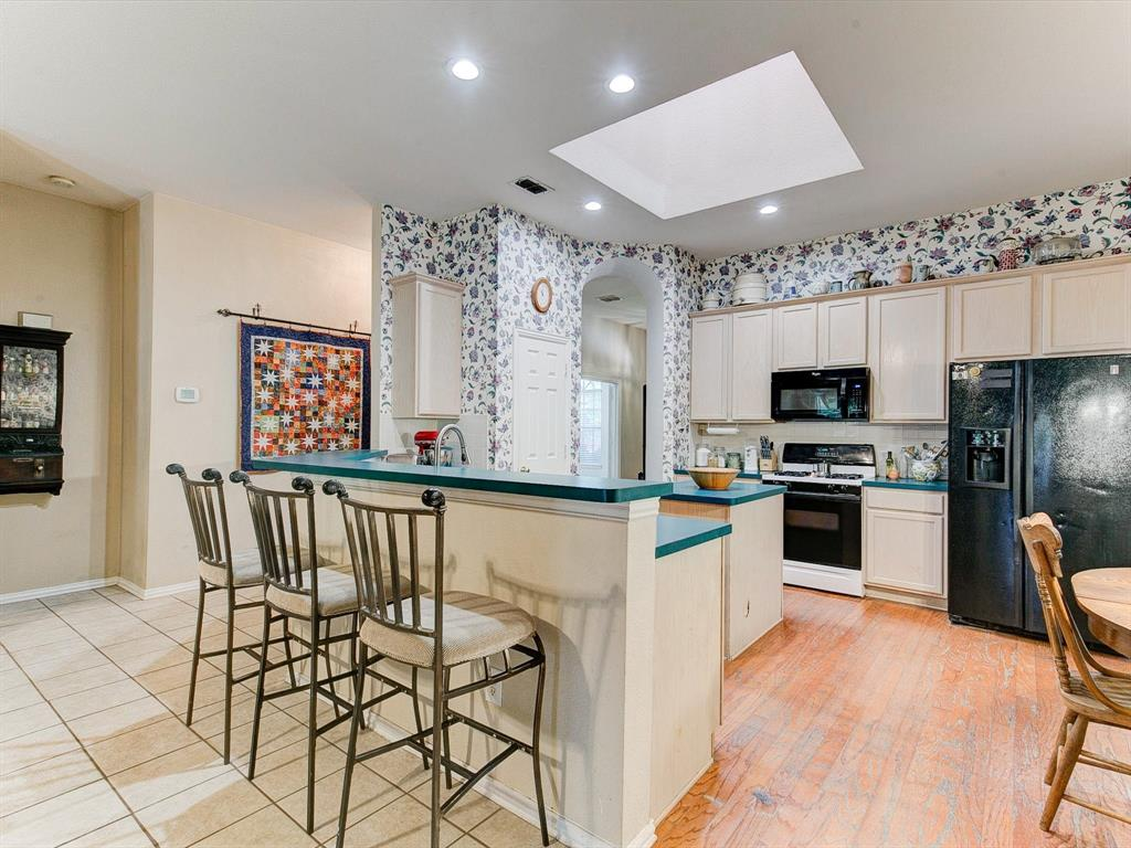 2830 Oakdale  Drive, Burleson, Texas 76028 - acquisto real estate best real estate company to work for