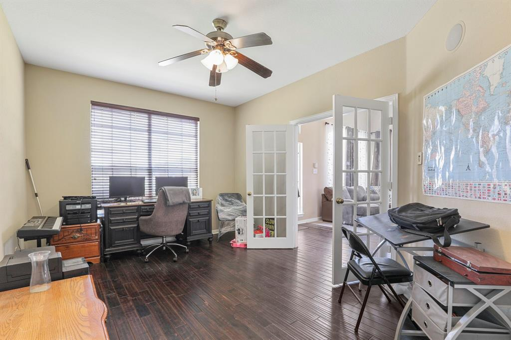 4204 Debbie  Drive, Grand Prairie, Texas 75052 - acquisto real estate best frisco real estate broker in texas for high net worth buyers